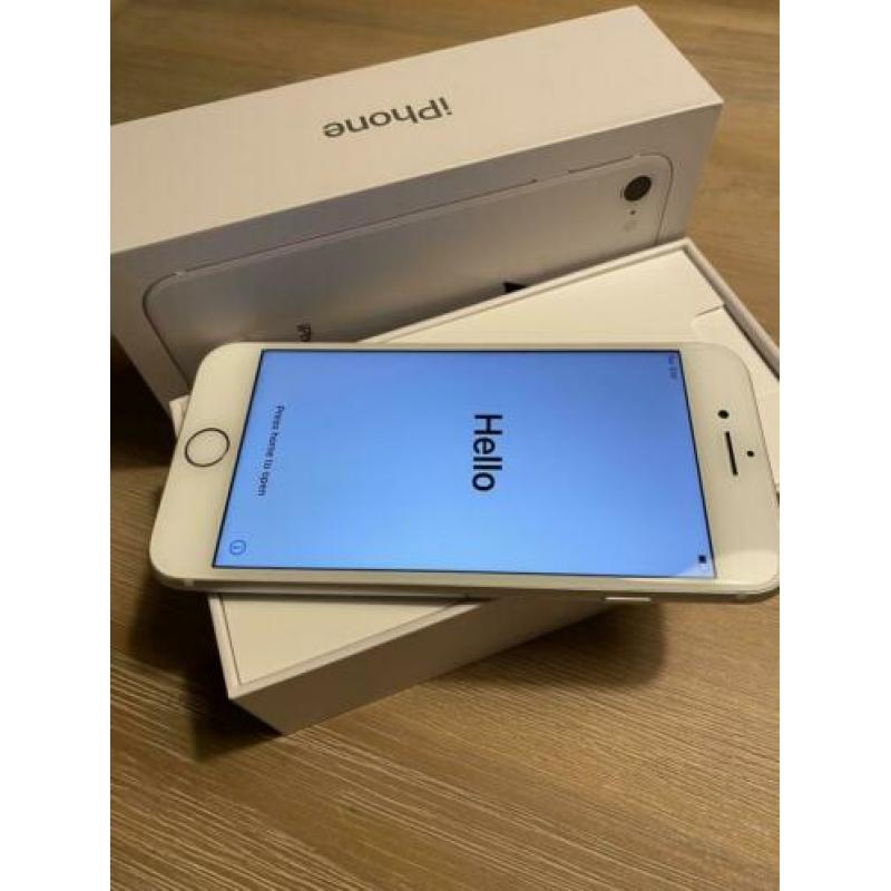 Zeer nette IPhone 8 wit 64gb